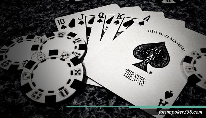 Beberapa permainan populer yang menggunakan kartu